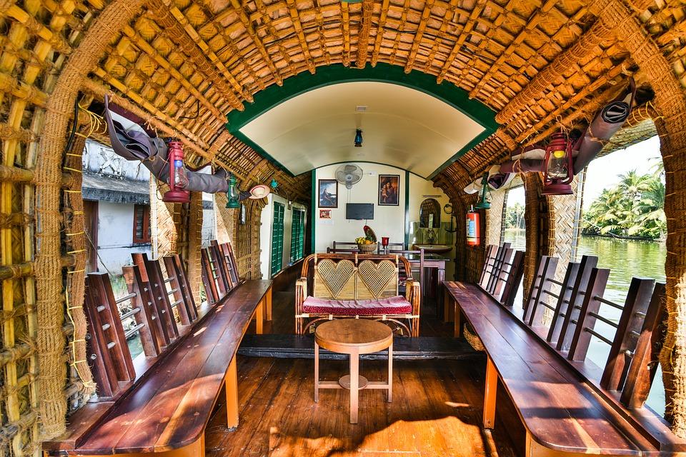 houseboat-2031055_960_720